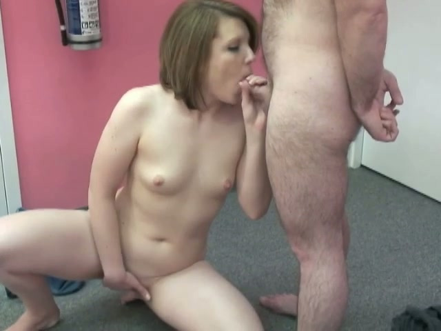 licking pussy in a swimming pool