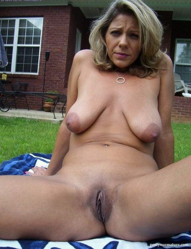 Mature women nude large breasts